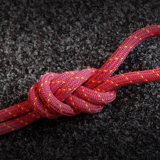 Как правильно завязывать узел «восьмерка»?